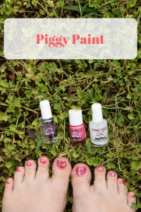 How to get your toes ready for flip flop season with nontoxic Piggy Paint. #piggypaint #flipflop #nationalflipflopday #summer #pedicure #nails #nontoxic